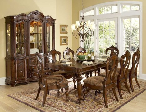 queen-anne-dining-room-table-and-chairs