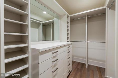Walk-In Closet -