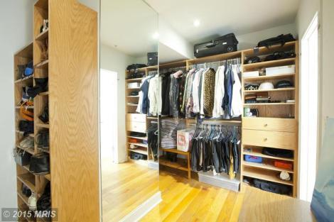 Bedroom (Master) - Walk in Closet