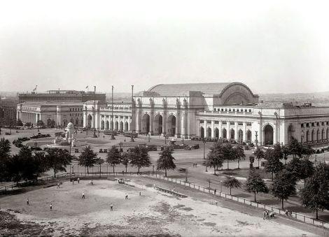 800px-Union_Station_-_Washington,_D.C.