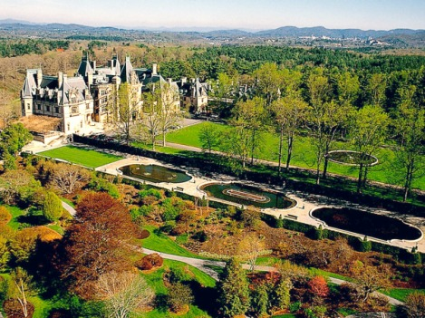 http://www.kdzdesigns.com/2013/02/more-than-the-house-and-its-interiors-the-biltmore-estate-grounds/