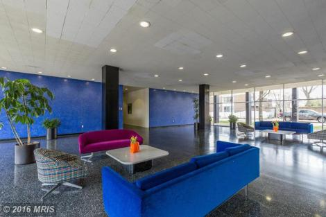 Mid Century Modern Lobby - River Park is kept very clean and organized by a wonderful staff and managament