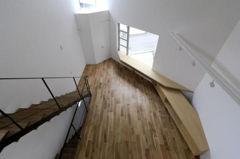 japanese-oh-house-wows-with-narrow-footprint-open-interiors-13-thumb-970xauto-32142