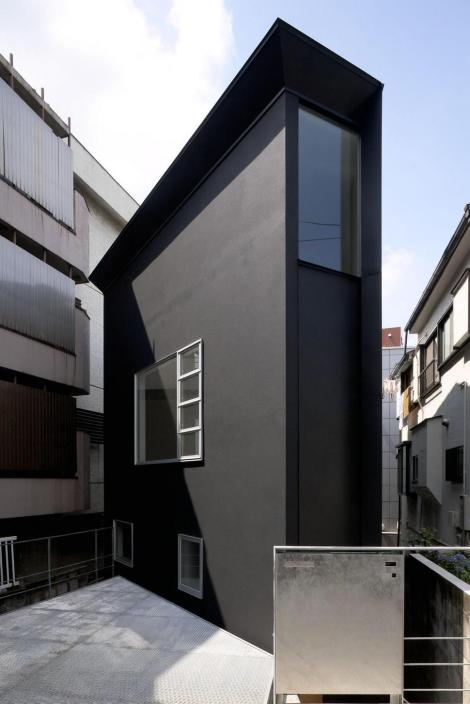 japanese-oh-house-wows-with-narrow-footprint-open-interiors-2-thumb-970xauto-32120