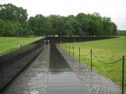 https://baileyd718.wordpress.com/tag/vietnam-memorial/